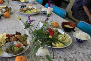 季節の花と手料理